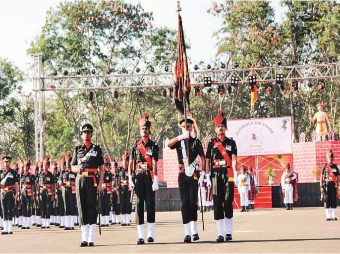 Glorious conduction in Aundh by the Maratha Light Infantry's 250th Foundation Day | मराठा लाईट इन्फन्ट्रीच्या २५०व्या स्थापनादिनानिमित्त औंधमध्ये गौरवशाली संचलन