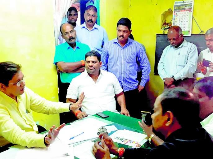 Sindhudurg: Constraints on Konkan coastline; Notice to Fisheries Commissioner of MLAs | सिंधुदुर्ग : कोकण किनारपट्टीवरील संघर्ष रोखा, आमदारांच्या मत्स्य आयुक्तांना सूचना