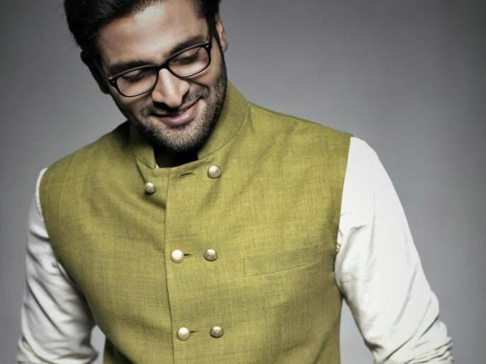 Vaibhav Tatvavadi annonce his new movie Grey | वैभव तत्ववादीने त्याच्या आगामी सिनेमाचा पोस्टर केला शेअर