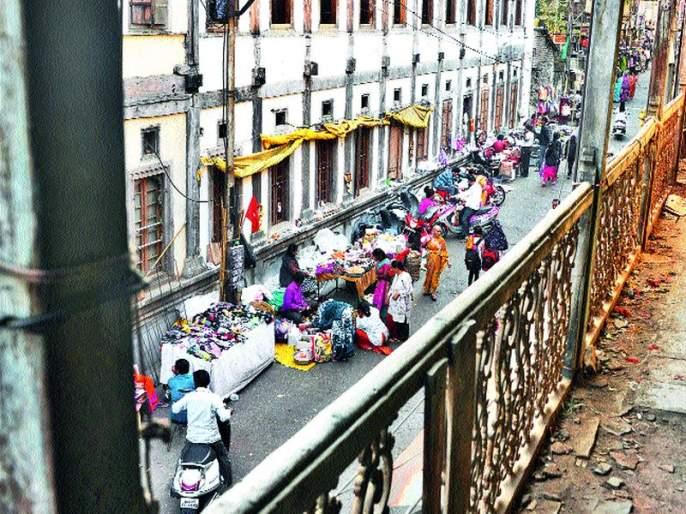 The masher sellers migrate to the Hawker's zone | मसाला विक्रेत्यांचे हॉकर्स झोनमध्ये स्थलांतर