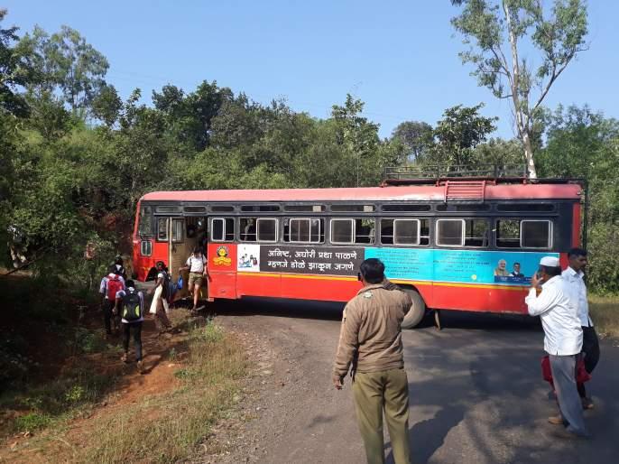 Satara: Traveling to Bamnoli due to bad stays unprotected | सातारा: नादुरुस्त एसटीमुळे बामणोलीचा प्रवास असुरक्षित