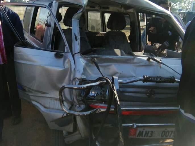 Maruti van knocks on Gondia-Balaghat road; Three of a family killed | गोंदिया-बालाघाट मार्गावर मारूती व्हॅनची दुचाकीला धडक; एकाच कुटुंबातील तिघे ठार