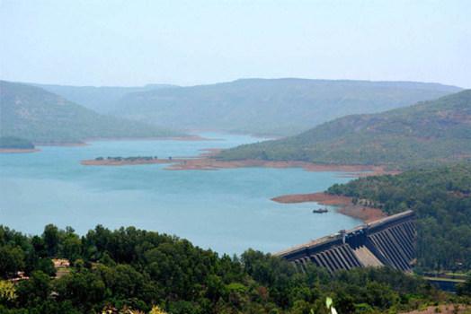 Poor water storage is becoming less quickly | भातसातील पाणीसाठा होतोय झपाट्याने कमी