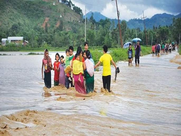 Rainfall in Assam, Tripura and Manipur, flooding in many areas | आसाम, त्रिपुरा आणि मणिपूरमध्ये पावसाचे थैमान, अनेक भागात पूरस्थिती