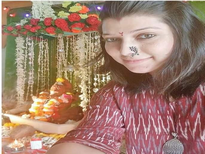 Tejaswini Pandit Made Bal Ganesha Painting | तेजस्विनी पंडितच्या कुंचल्यातून आकाराला आला 'फिल्ममेकर बालगणेशा' !