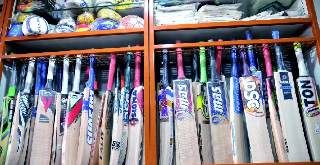 Sports 'expensive' due to GST: Increase in Sports Literature; The noise of resentment among players, vendors | 'जीएसटी'मुळे 'खेळ' महागला : क्रीडा साहित्यात भरमसाट वाढ ; खेळाडू, विक्रेत्यांमध्ये नाराजीचा सूर