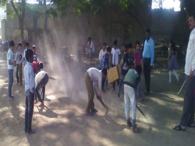 The work of the Panchayat Raj began, the broom started; Tour of the committee in Shirur taluka | पंचायत राजच्या स्वागताला, झाडू लागला कामाला; शिरूर तालुक्यात समितीचा दौरा