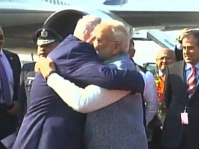 Israel Prime Minister Benjamin Netanyahu arrives in India, breaks protocol, Modi welcomes | इस्रायलचे पंतप्रधान बेंजामिन नेतान्याहू भारतात दाखल, प्रोटोकॉल तोडत मोदींनी केलं स्वागत