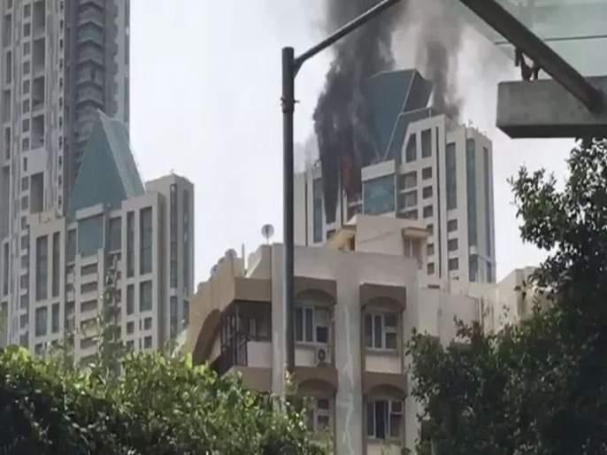 Major Fire breaks at beaumonde building in Prabhadevi | प्रभादेवीच्या ब्यूमॉन्द इमारतीच्या 33व्या मजल्यावर लागलेल्या आगीवर नियंत्रण, कूलिंग ऑपरेशन सुरू