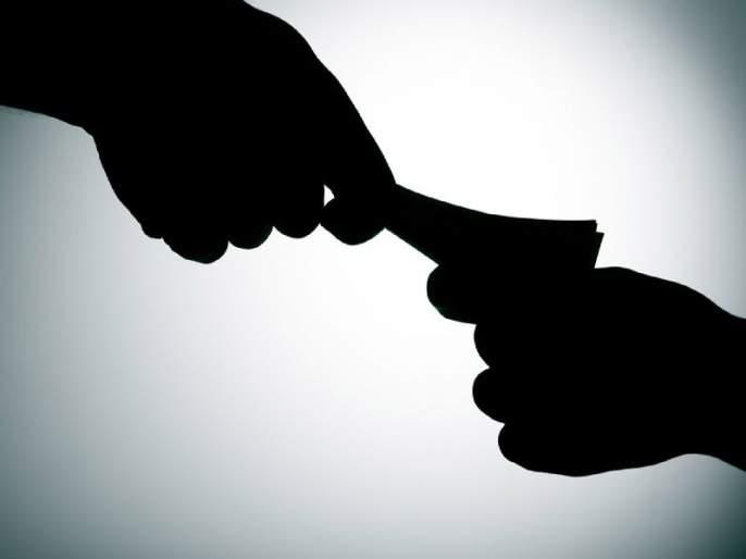 Karanja Lad: Two customers who accept a bribe from the electricity customer! | कारंजा लाड : विद्युत ग्राहकाकडून लाच स्वीकारणारे दोन लाईनमन एससीबीच्या जाळ्यात!