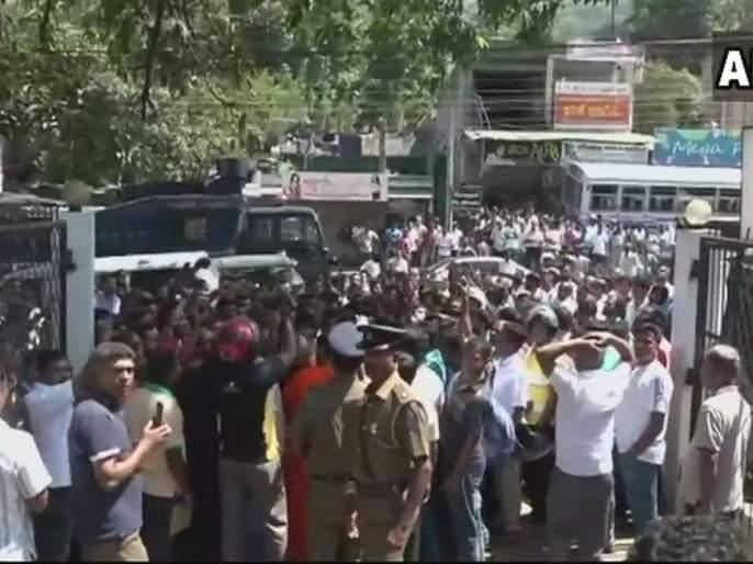 Sri Lanka declares state of emergency | श्रीलंकेत दहा दिवसांसाठी आणीबाणी जाहीर, बौद्ध-मुस्लिमांमध्ये जातीय दंगल