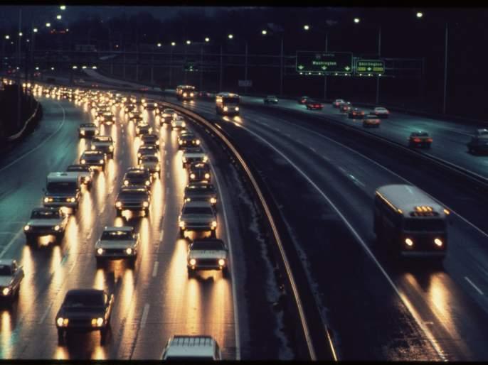 Different lanes for e-vehicles | ई-वाहनांसाठी वेगळी लेन