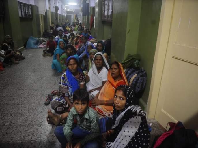 Ambedkar followers coming to Chaityibhumi, Greater Mumbai Municipal Corporation, accommodation arrangements in schools | चैत्यभूमी येथे येणाऱ्या आंबेडकरी अनुयायांची बृहन्मुंबई महापालिका शाळांमध्ये निवासाची व्यवस्था
