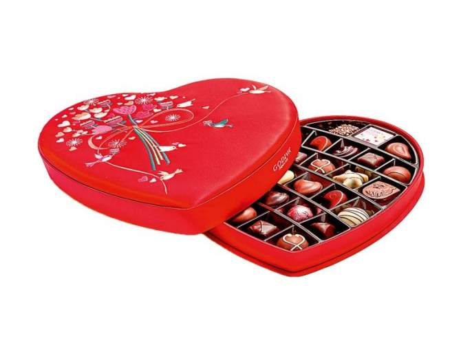 Chocolate gift, try a romantic case!   चॉकलेट गिफ्ट, रोमॅण्टिक मामला नक्की ट्राय करा!
