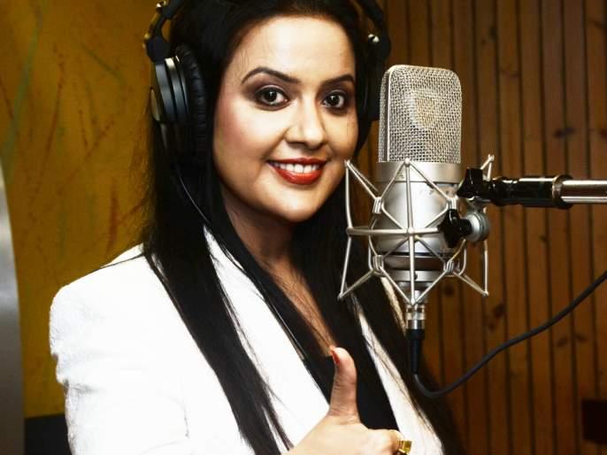 Amrita's Swarajas for 'Chandan Bilori Ki Bella' Geeta   'चांदण बिलोरी कळ्या' गीताला अमृता यांचा स्वरसाज