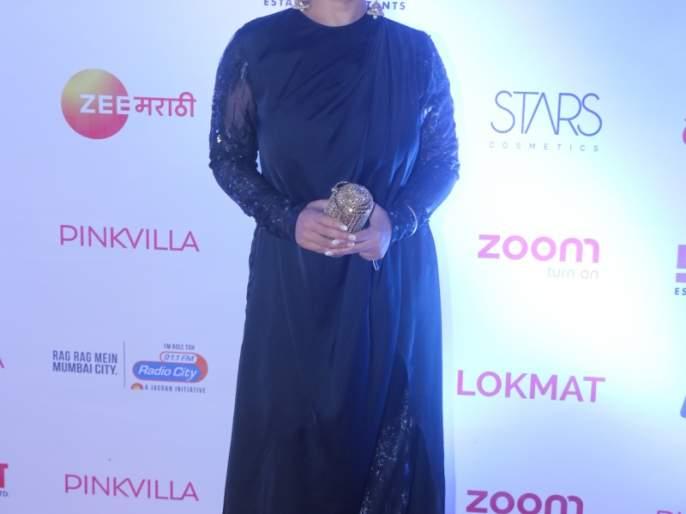 Twinkle Khanna's 'behind' thing Divya Dattana   ट्विंकल खन्नाला 'या' गोष्टीत मागे टाकले दिव्या दत्ताने