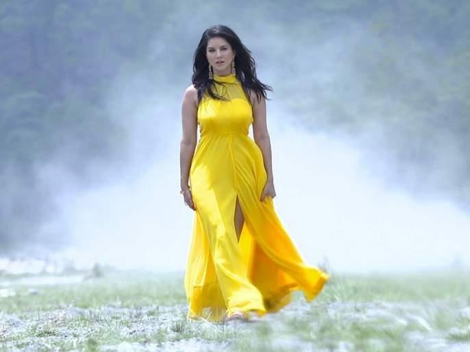 See Video: Sunny Leone becomes 'villain' after 'Land' trailer release; Banana herpes dance!   See Video : 'भूमी'चे ट्रेलर रिलीज होताच सनी लिओनी बनली 'खलनायक'; केला नागीण डान्स!