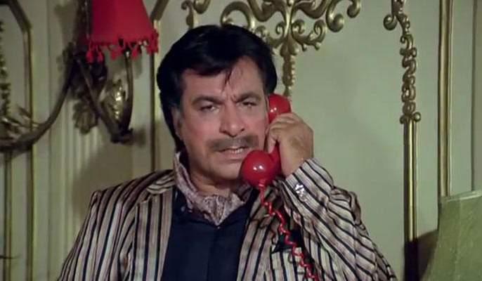 Kader Khan got a chance to act in a graveyard, read his acting journey! | कादर खान यांना कब्रस्तानात मिळाली अभिनयाची संधी, वाचा त्यांचा अभिनय प्रवास!