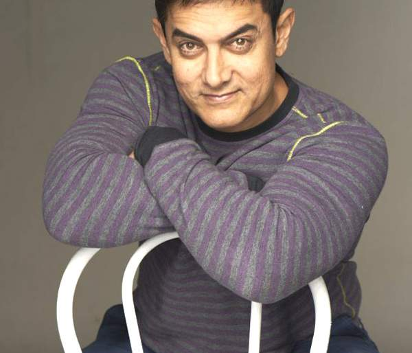 'Raampar' to become 'Aamir' for 'Dangle'? | 'दंगल' साठी आमीर बनणार 'रॅपर' ?