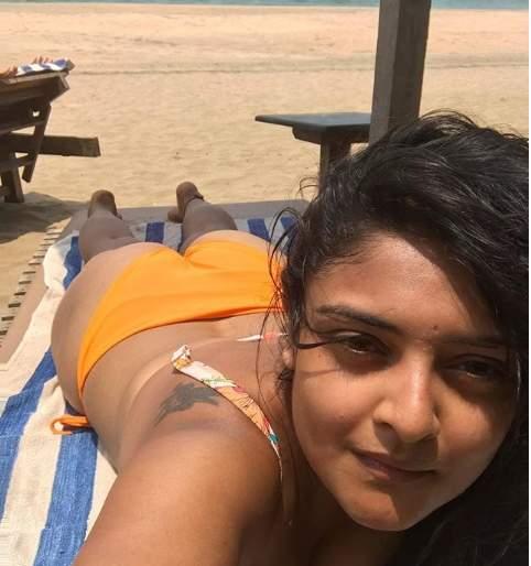 Mahesh Manjrekar's daughter's bold photo; Ready to play Bollywood | समोर आले महेश मांजरेकर यांच्या मुलीचे बोल्ड फोटो; बॉलिवूड गाजवण्यासाठी सज्ज