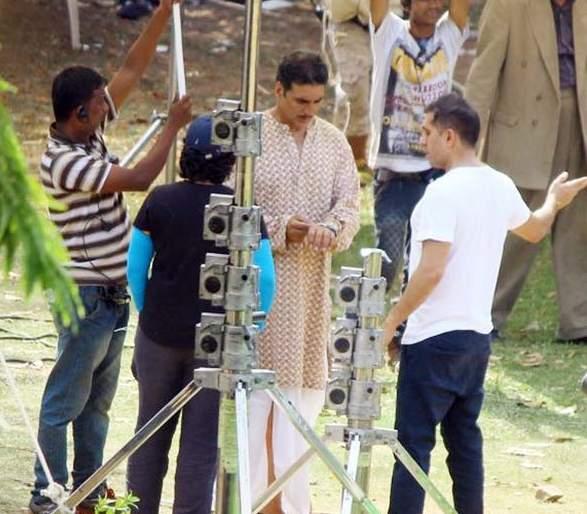 Akshay Kumar is shooting in the countryside for a song in the film | या चित्रपटातील गाण्यासाठी देसी लूकमध्ये शूट करतोय अक्षय कुमार