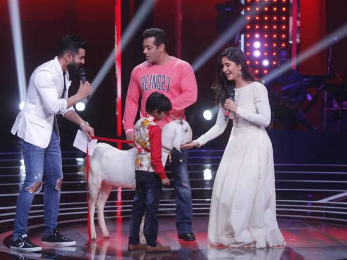 Salman Khan was not there for promotion but for the purpose of 'The Voice India Kids' set? Just because this happens   प्रमोशनसाठी नाही तर या कारणासाठी सलमान खान पोहचला होता 'द व्हॉईस इंडिया किड्स'च्या सेटवर? हे होते नेमके कारण