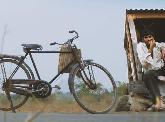 National short film 'Mutt' with a simple conscience   सद्सद्विवेक बुद्धीला साद घालणारा राष्ट्रीय लघुचित्रपट 'मयत'