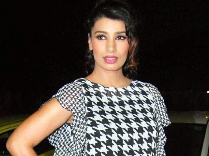 Working of Bollywood actress in the porn industry; Confession to be a lesbian!   बॉलिवूडची 'ही' अभिनेत्री पोर्न इंडस्ट्रीत करतेय काम; लेस्बियन असल्याची दिली कबुली!