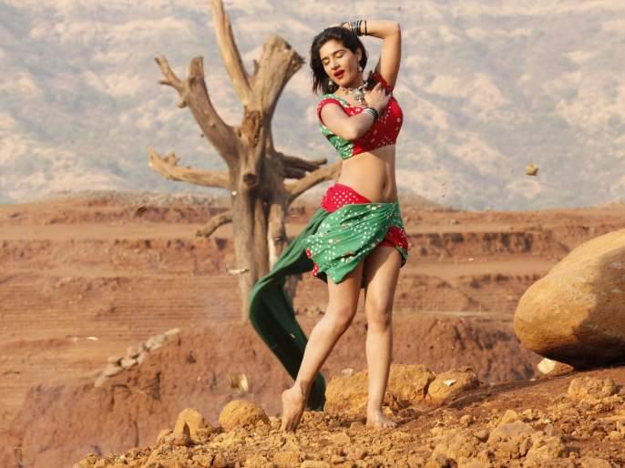 South Korean actress Neha debut in Marathi film 'Shikari' | शिकारी या चित्रपटाद्वारे दाक्षिणात्य अभिनेत्री नेहा मराठी चित्रपटसृष्टीत करणार पदार्पण