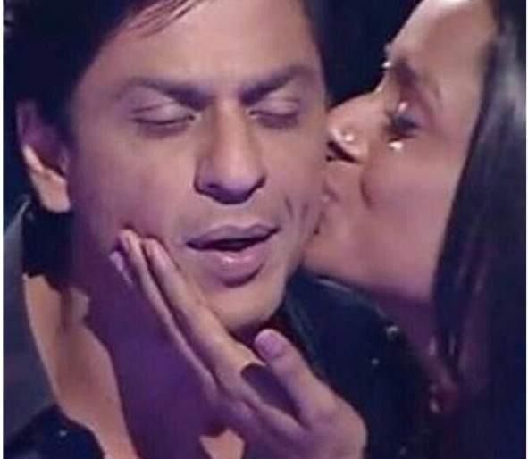 Shah Rukh Khan and he came back after 10 years together   शाहरूख खान आणि ती तब्बल 10 वर्षांनी पुन्हा आले एकत्र