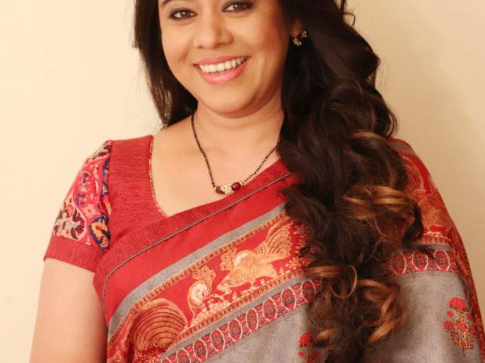 So Radhika is the ideal mother of small screen | म्हणून राधिका आहे छोट्या पडद्यावरची आदर्श आई