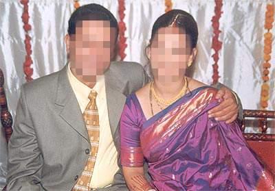 Recognize who are the superhit couple in Marathi who will soon be different | ओळखा पाहू हे कोण आहेत हे मराठीतील सुपरहिट जोडपे जे लवकरच होणार विभक्त