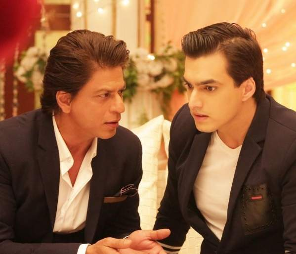 Shahrukh and Anushka at the set of 'What is this relationship?' | 'ये रिश्ता क्या कहलाता है'च्या सेटवर शाहरुख आणि अनुष्कासह अवतरला हा पाहुणा!