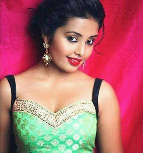 Shivani Rangole says, do not be afraid of the distorted commentary on social media | शिवानी रांगोळे सांगतेय,सोशल मीडियावरील विकृत कमेंटला घाबरु नका