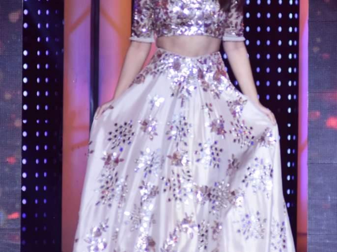 Sonakshi Sinha launches 'India's Next Superstars' | इंडियाज नेक्स्ट सुपरस्टार्समध्ये सोनाक्षी सिन्हाने लावली हजेरी