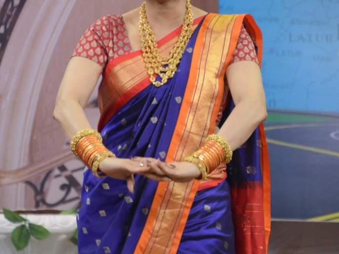 When I came to the stage of 'Come Let It Come', Sridevi had played the rhythm of this Marathi song   जेव्हा 'चला हवा येऊ द्या'च्या मंचावर श्रीदेवीने धरला होता या मराठी गाण्यावर ताल,त्यावेळी असा होता त्यांचा अंदाज