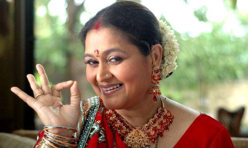 Specialty jewelery and sarees will be designed for Supriya Pathak! | सुप्रिया पाठकसाठी सब्यसाची डिझाईन करणार खास दागिने आणि साड्या!