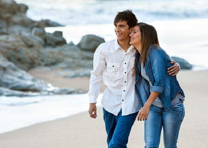 Relation: Your partner should not go away ...! | Relation : आपला पार्टनर दूर जाऊ नये म्हणून...!