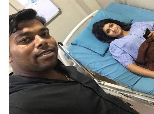 Due to dengue infection, he started treatment in hospital | शनायाला डेंग्यूची लागण,रुग्णालयात उपचार सुरु