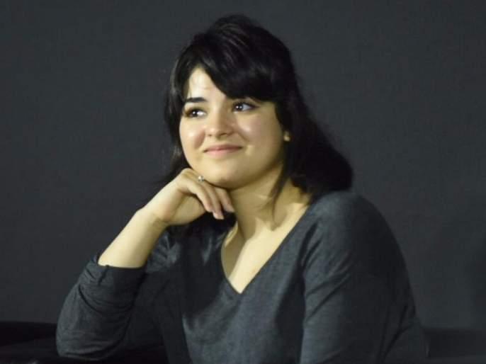 'Dangal' girl Jaira Wasim different thoughts about 'Hijab'! | 'दंगल' गर्ल जायरा वसीमने 'हिजाब'बद्दल मांडले वेगळे विचार!
