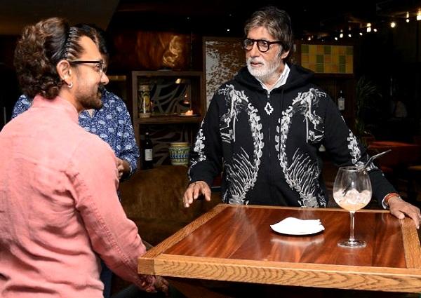 Amitabh Bachchan hurt on sets of Thugs of Hindustan ...   ठग्स ऑफ हिंदुस्तानच्या सेटवर अमिताभ बच्चन यांना दुखापत..कसा घडला अपघात वाचा सविस्तर