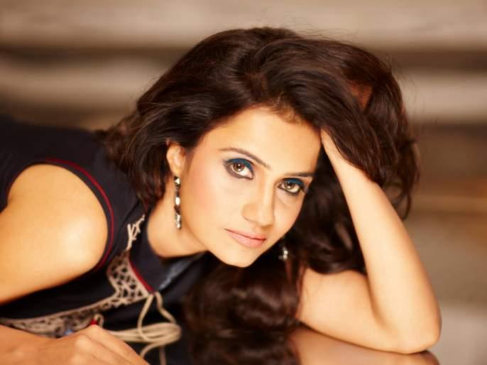 Amrita Subhash received the heritage of acting from home ... Amrita is the star of this famous actress   अमृता सुभाषला घरातूनच मिळाला अभिनयाचा वारसा... या प्रसिद्ध अभिनेत्रींची लेक आहे अमृता