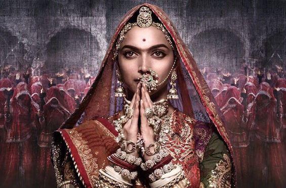 During the shooting of Padmavat, Deepika Padukone has to repeat 'O' work | पद्मावतच्या शूटिंग दरम्यान दीपिका पादुकोण वारंवार करायची 'हे' काम