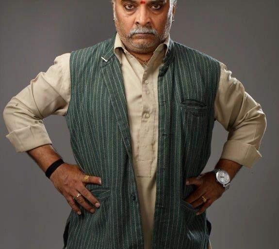 People are scared of me in Sunil Tawde. | सुनील तावडे सांगतायेत लोक मला घाबरायला लागले आहेत...