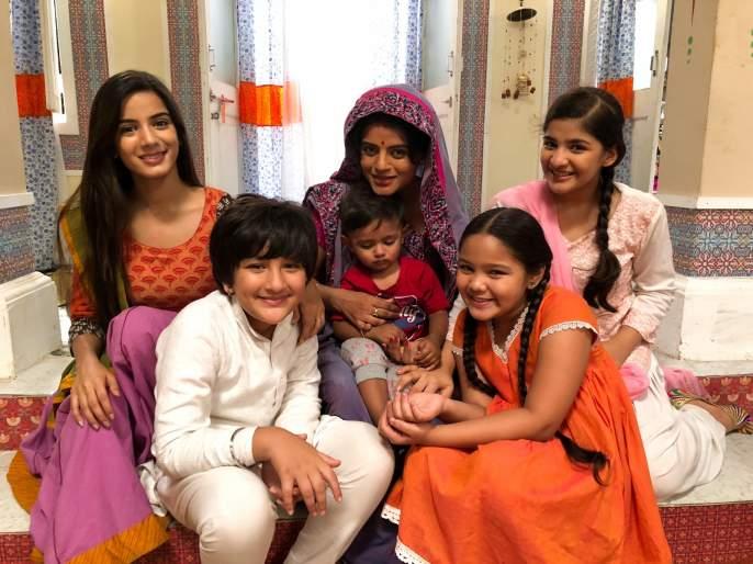Everyone at Mitali Nag's child's set | मिताली नागच्या मुलाचा सेटवर सगळ्यांना लागला लळा