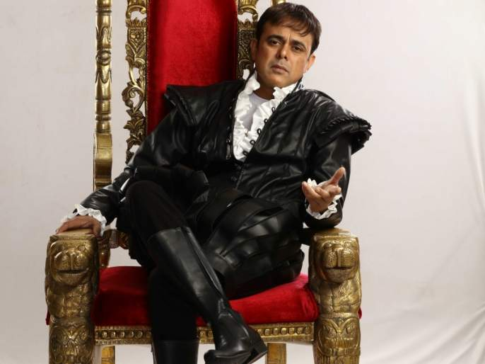 Sumit Raghavan plays the role of Hamlet | हॅम्लेटची भूमिका साकारणार सुमित राघवन