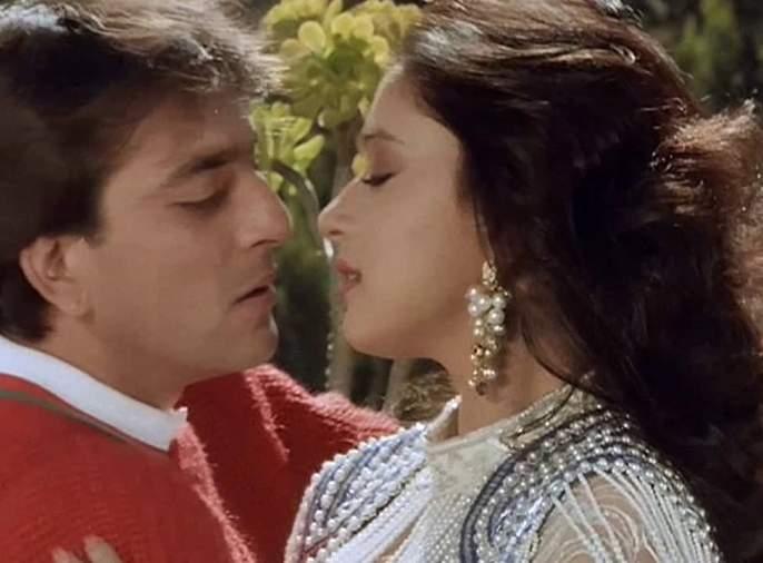 Kalank Poster Out: Sanjay Dutt and Madhuri Dixit appear on screen again after 21 years! Varun Dhawan-Alia Bhatt will also be seen with !!   Kalank Poster Out : २१ वर्षांनंतर पुन्हा पडद्यावर दिसणार संजय दत्त- माधुरी दीक्षितची जोडी! वरूण धवन-आलिया भट्टही दिसणार सोबत!!