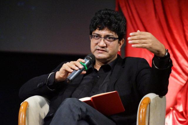 Who is the new President of the Censor Prasoon Joshi? | कोण आहेत सेन्सॉरचे नवे अध्यक्ष प्रसून जोशी?