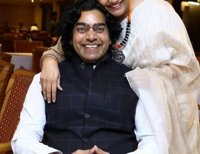 Before marrying Ashutosh Rana, Renuka Shahane had married   आशुतोष राणासोबत लग्न करण्याआधी रेणुका शहाणेचे झाले होते लग्न