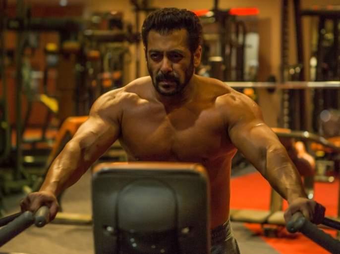 Salman Khan's muscular body, the woman said, 'I love you Tiger'! | सलमान खानची मस्क्युलर बॉडी बघून तरुणीने म्हटले, 'आय लव्ह यू टायगर'!